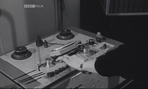 Delia Derbyshire synchronising tape loops